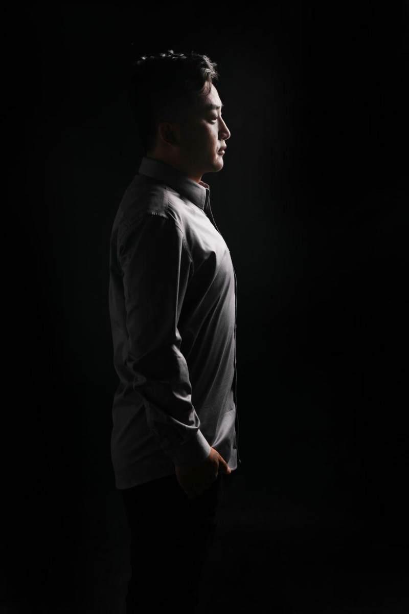 歌手旺旺原创歌曲《思念爸妈》发布!